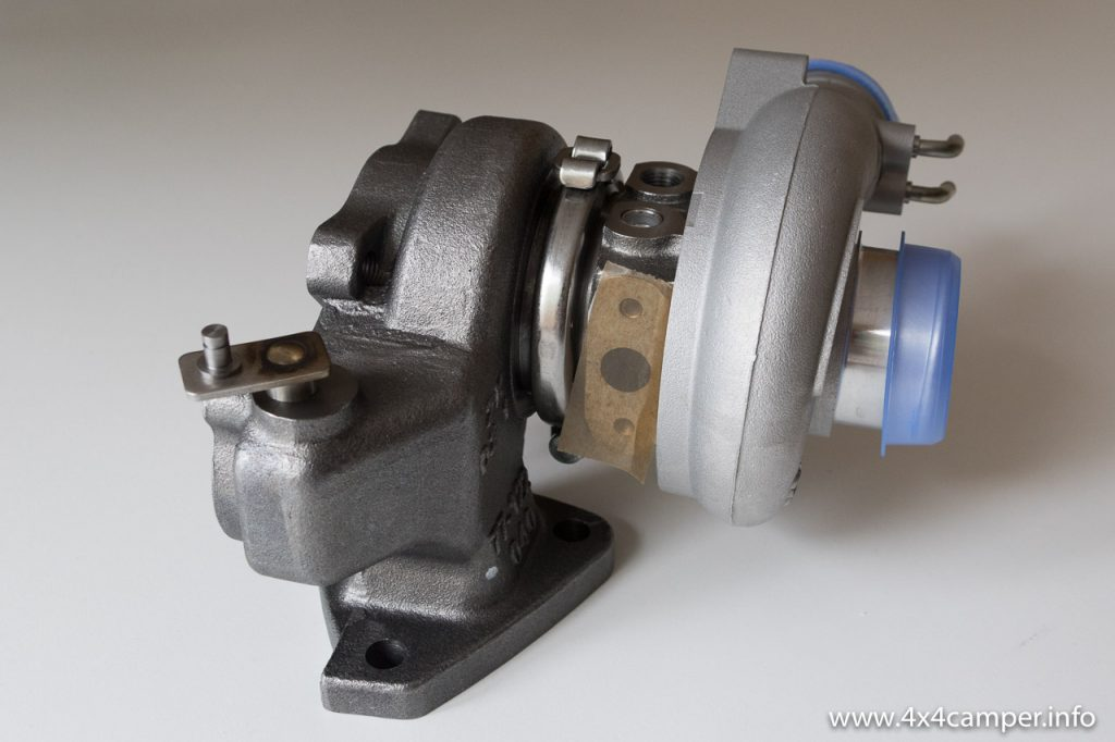 Water cooled turbo for a 4D56 (3 bolts to downpipe)