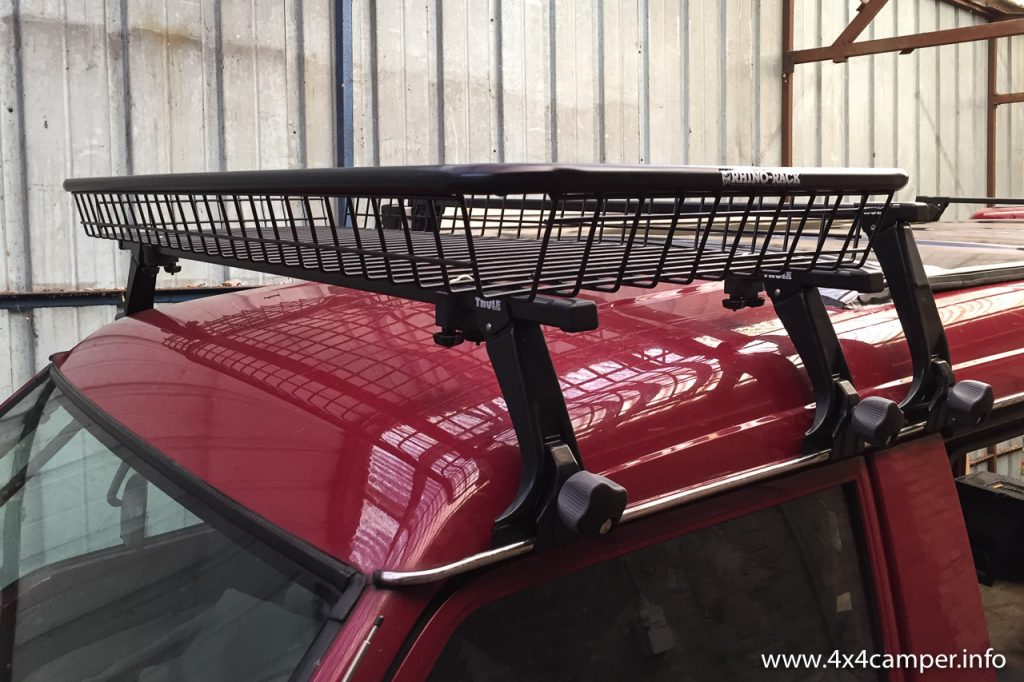 Roof rack with Rhino Rack luggage basket