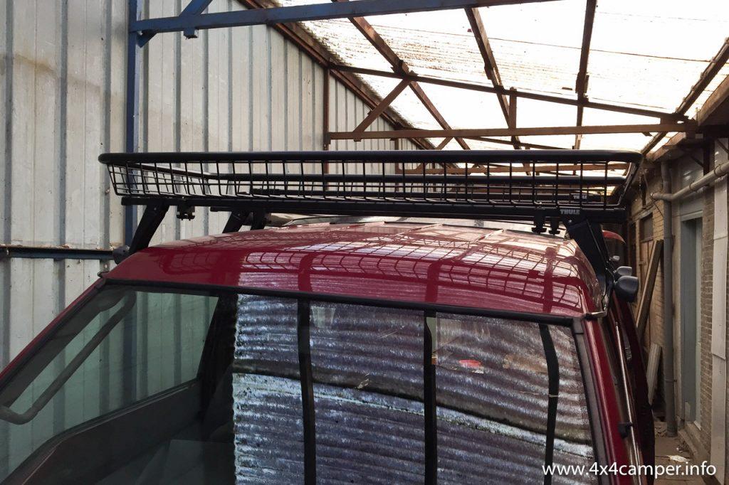 Roof rack with Rhino Rack luggage basket